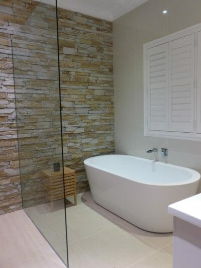 Ledgestone Natural Grey feature wall bathroom