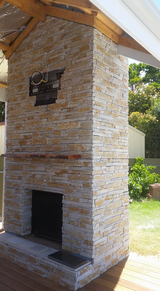 Ledgestone Natural Grey fireplace outdoor living