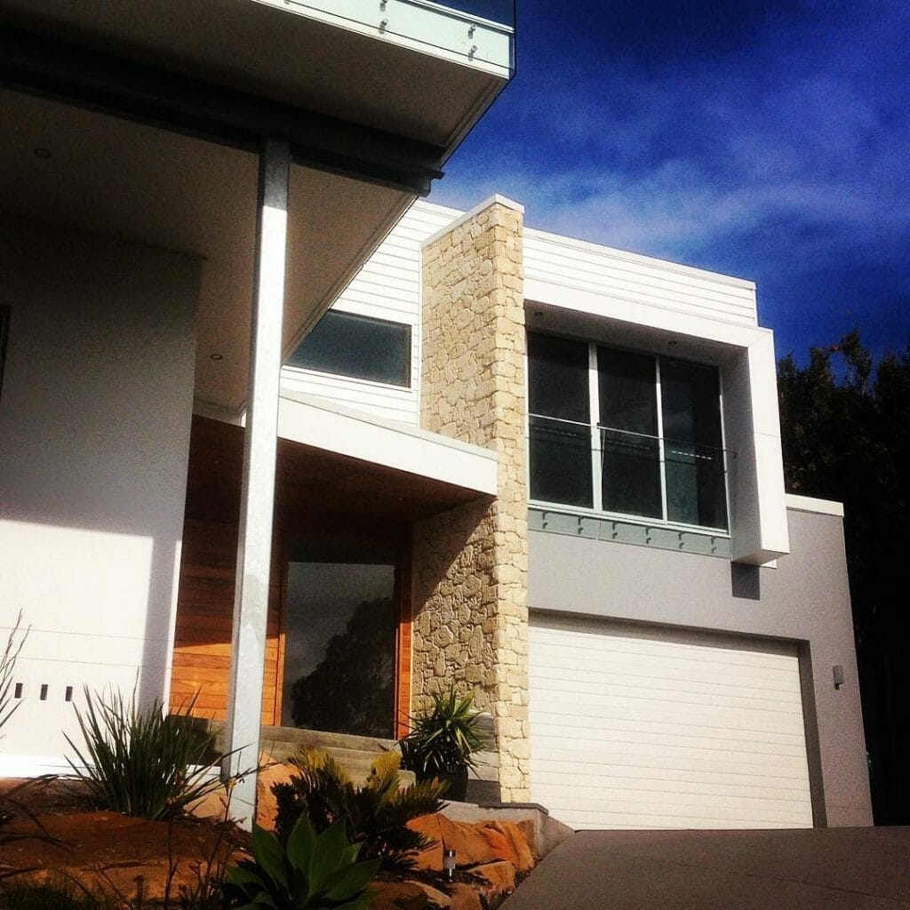 South Coast Limestone house facade dry joint install