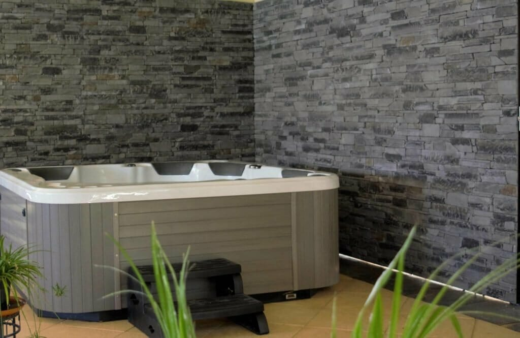 Ledgestone Slate feature wall spa