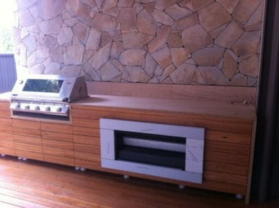 Arctic Natural Grey feature wall outdoor kitchen